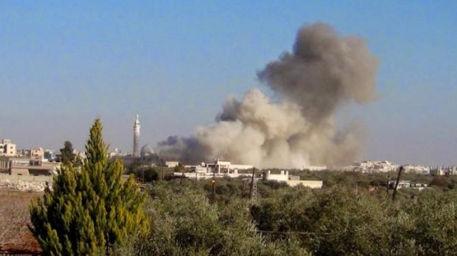 IS tiến hành cuộc tấn công bằng xe bom tự sát VBIED trên vùng ngoại ô thị trấn Uqayribat - ảnh Qasioun.ne