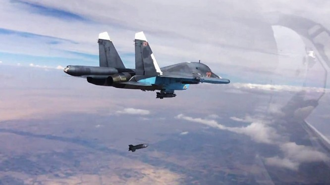 Máy bay ném bom Su-34, sử dụng vũ khí chính xác không kích IS - ảnh minh họa Masdar News