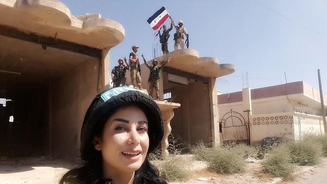 Truyền thông Syria có mặt trong thị trấn Uqayribat hoàn toàn giải phóng - ảnh Syria News
