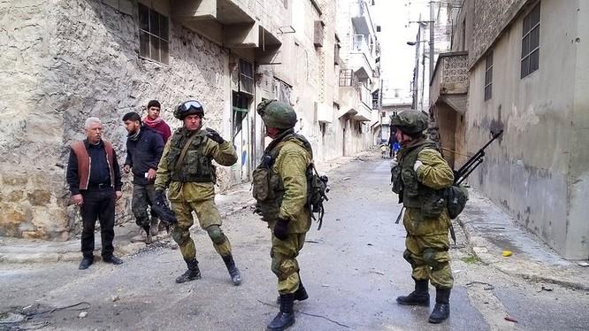 Binh sĩ Nga trong thành phố Aleppo sau giải phóng - ảnh minh họa của Masdar News