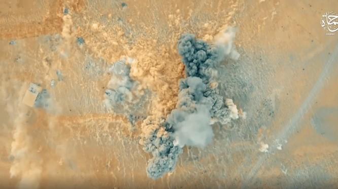 Một vụ tấn công bằng bom xe VBIED trên chiến trường Deir Ezzor - ảnh video HAMAH