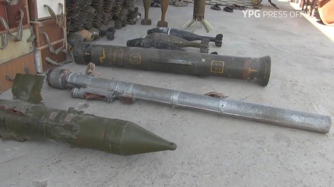 Tên lửa chống tăng MILAN và tên lửa phòng không MANPAD trong kho vũ khí của IS ở Raqqa