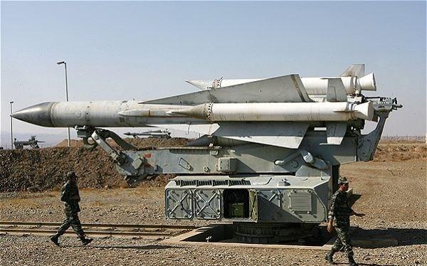 Giàn phóng tên lửa S-200 của lực lượng phòng không Syria - ảnh minh họa Masdar News
