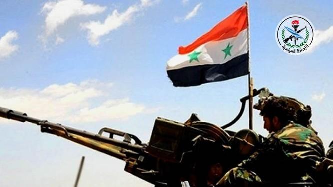 Binh sĩ quân đội Syria trên đường tiến công về ngoài ô Deir Ezzor - ảnh minh họa Masdar News