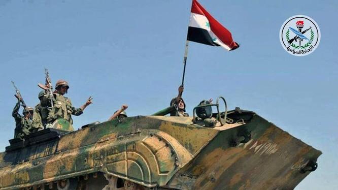 Quân đội Syria tiến công trên khu vực thành phố Deir Ezzor - ảnh minh họa Masdar News
