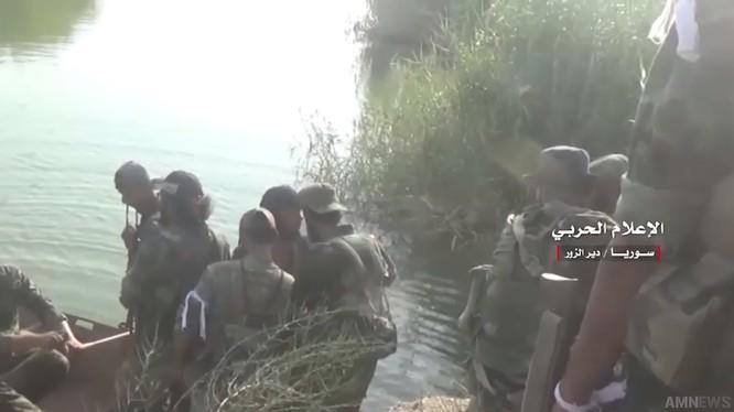 Tham gia chiến đấu tiến công là lực lượng Vệ binh Cộng hòa, tiến hành cuộc tấn công vào IS trên đảo - ảnh video truyền thông Hezbollah