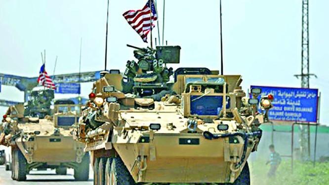 Xe thiết giáp của quân đội Mỹ trong địa phận tỉnh Qamishli