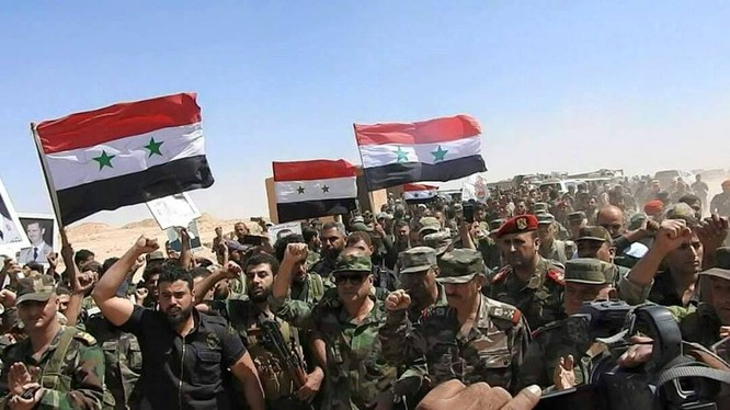 Binh sĩ quân đội Syria hân hoan mừng chiến thắng Deir Ezzor - ảnh minh họa Masdar News