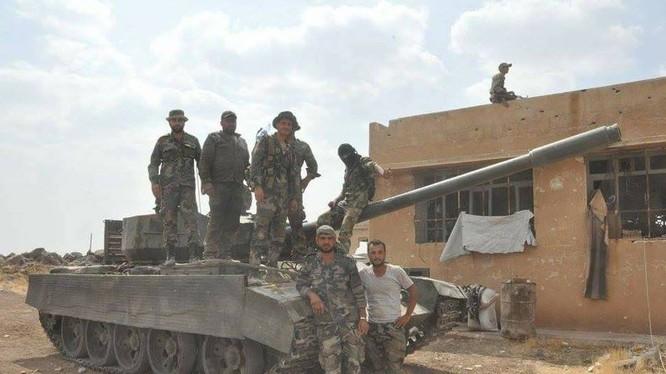 Binh sĩ quân đội Syria sau cuộc tấn công của phiến quân ở Hama - ảnh Masdar News