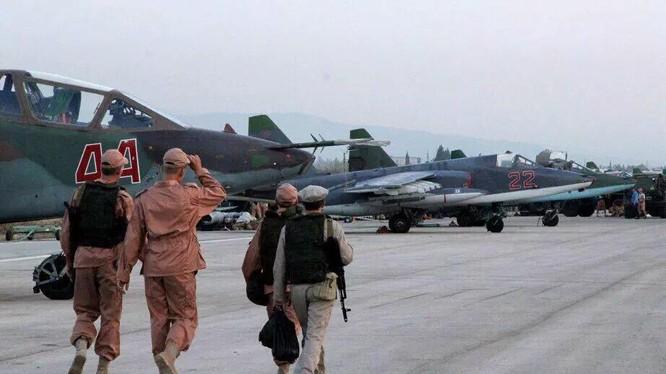 Trên căn cứ sân bay quân sự Hmeymim - ảnh minh họa của Masdar