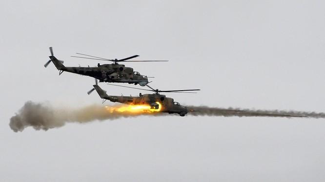 Các trực thăng chiến đấu Nga chiến đấu trên chiến trường Syria - ảnh minh họa của Masdar News