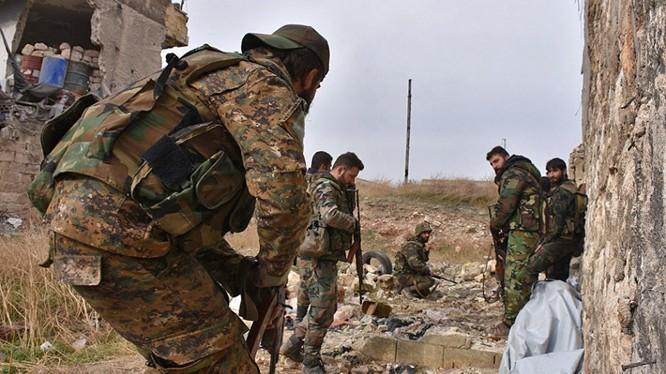Binh sĩ quân đội Syria trên chiến trường phía Tây Aleppo - ảnh Masdar News