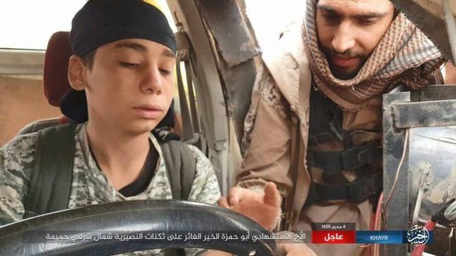 Một chiến binh IS vị thành niên tiến hành cuộc tấn công bằng xe VBIED trên địa phận tỉnh Homs