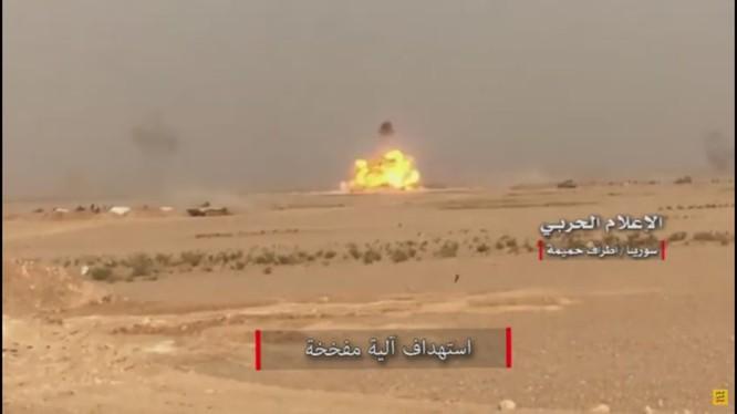 Quân đội Syria tiến công trên vùng sa mạc tỉnh Homs - ảnh video truyền thông Hezbollah