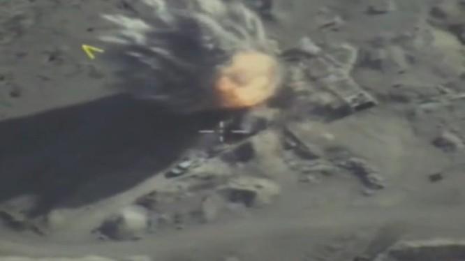 Không quân Nga không kích tiêu diệt khủng bố HTS trên chiến trường Syria - ảnh video Bộ quốc phòng Nga