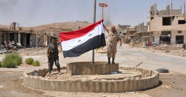 Binh sĩ Syria trong khu vực Trạm T-3 sau cuộc tấn công - ảnh Arab News