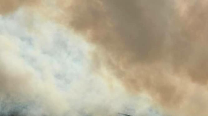 Xe tăng quân đội Syria tiến công trên chiến trường Hama - ảnh minh họa Masdar News