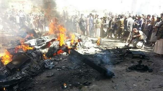 Chiếc máy bay không người lái MQ-9 Reaper bị bắn rơi ở Yemen - ảnh truyền thông Houthi