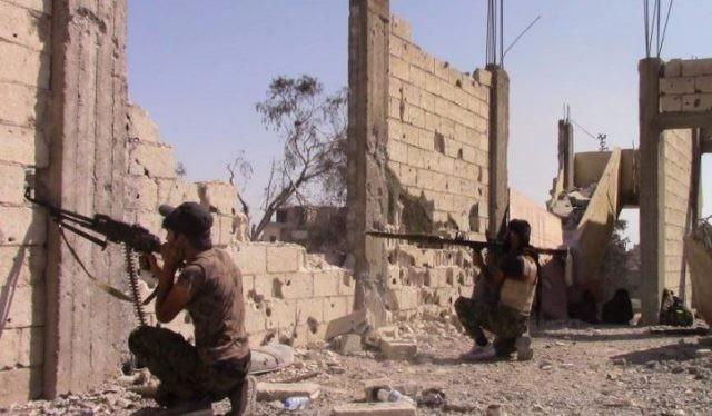 Lực lượng SDF tấn công trên chiến trường trung tâm thành phố Raqqa