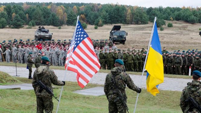 Quân đội Mỹ và Ukraina diễn tập chung - ảnh trang Ukroboronprom