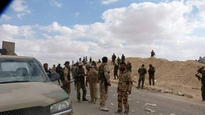 Binh sĩ sư đoàn cơ giới 4 tấn công mở rộng trên bờ đông sông Euphrates - ảnh minh họa South Front