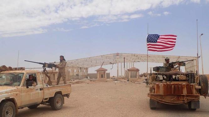 Căn cứ quân sự Mỹ ở thị trấn At-Tanf trên vùng biên giới Syria -Iraq - Jordan. Ảnh South Front
