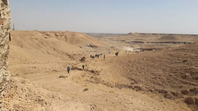 Các đơn vị quân đội Syria tiến công vào thành phố Mayadeen - ảnh minh họa Muraselon