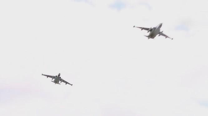 Không quân Nga không kích trên chiến trường Syria - ảnh Masdar News