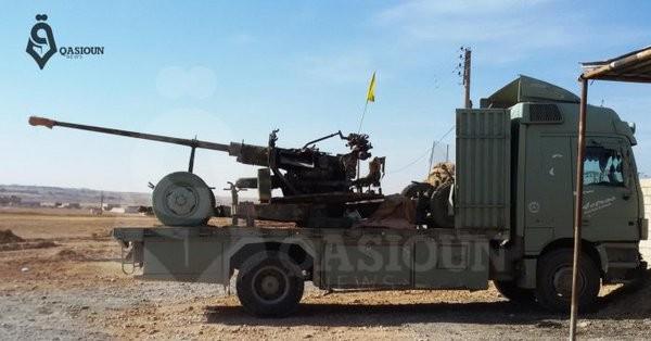 Chiến binh người Kurd tiến công về hướng đông sông Euphrates - ảnh truyền thông YPG