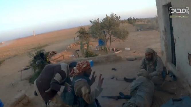 """Những phần tử khủng bố IS bị Al-Qaeda hành quyết ở Hama - ảnh video """"thánh chiến"""""""