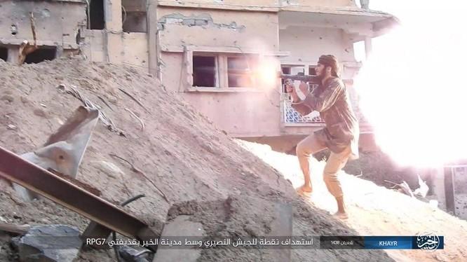 IS tiến hành cuộc phản kích trên chiến trường thành phố Deir Ezzor - ảnh minh họa Masdar News