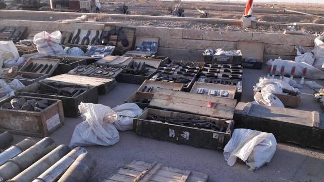 Một góc khu trưng bày vũ khí thu được - ảnh video SANA