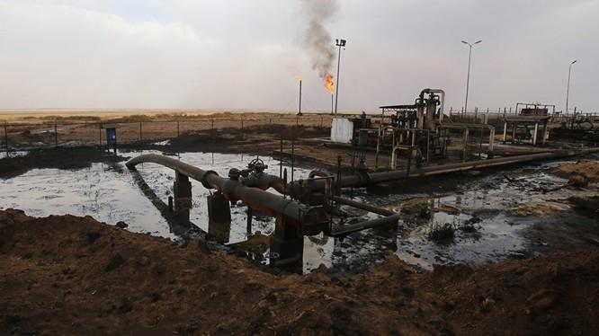 Một phần nhỏ khu mỏ dầu Omar bị IS chiếm đóng - ảnh minh họa Masdar News