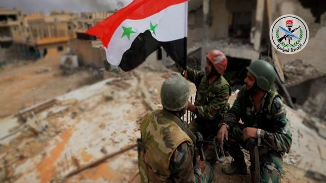 Binh sĩ quân đội Syria trên chiến trường Deir Ezzor - ảnh minh họa South Front