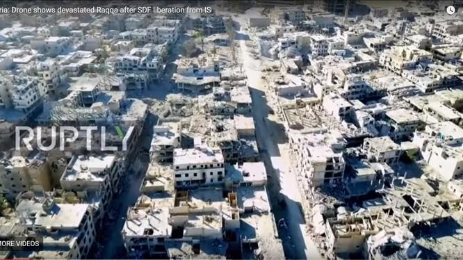 ảnh thành phố Raqqa bị hủy diệt - ảnh South Front