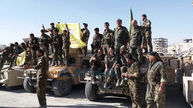 Toàn cảnh chiến trường Raqqa sau cuộc chiến khốc liệt giành lại thành phố này từ IS - ảnh minh họa truyền thông YPG