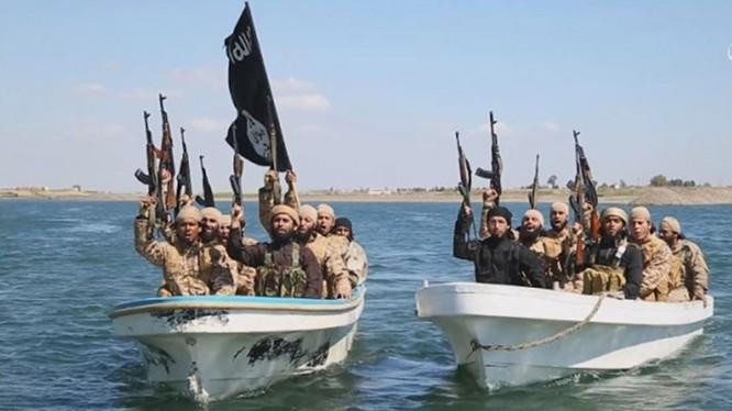 Các tay súng IS trên sông Euphrates - ảnh minh họa Masdar News