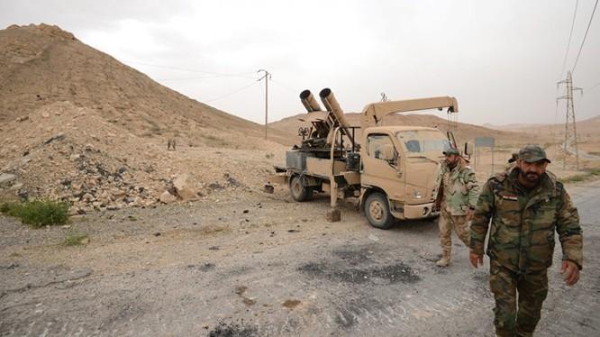 Một khẩu đội tên lửa trên chiến trường tram bơm nước T-2 Deir Ezzor - ảnh minh họa South Front