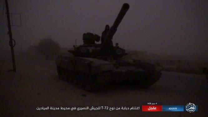 IS cáo buộc đánh chiếm một xe tăng chiến đấu của quân đội Syria ở Deir Ezzor - ảnh Masdar News