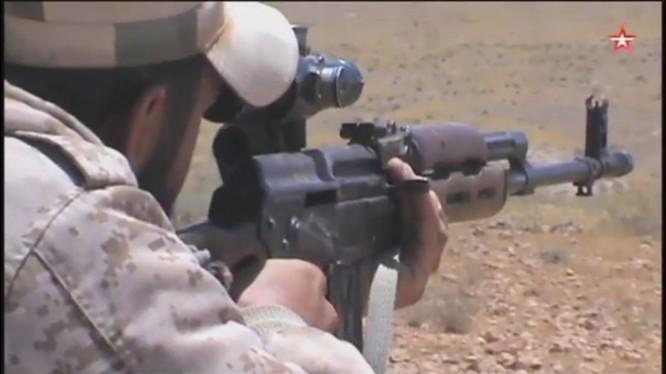 Binh sĩ Syria tiêu diệt 1 tổ săn tăng của IS trên chiến trường Mayadeen - ảnh video truyền hình Ngôi Sao