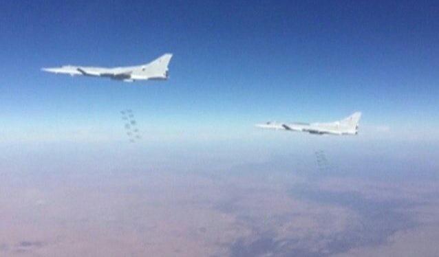 Máy bay ném bom chiến lược Tu-22M3 không kích ở Syria - ảnh minh họa Muraselon