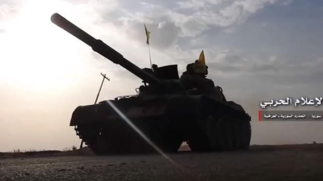 Quân đội Syria tiến công trên chiến trường khu vực trạm bơm T-2 Deir Ezzor