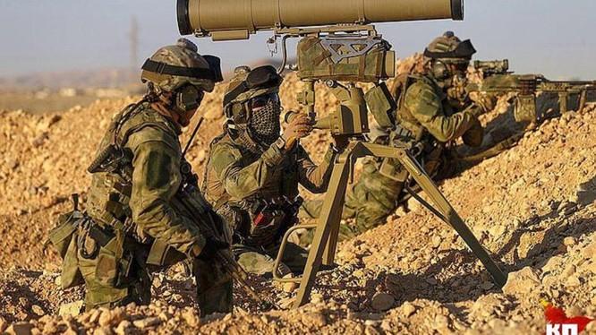 Đặc nhiệm Nga sử dụng súng chống tăng có điều khiển - ảnh minh họa Bộ quốc phòng Nga.