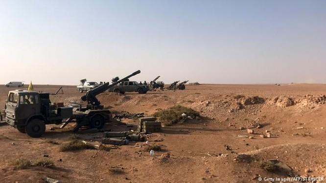 Lực lượng pháo binh quân đội Syria trên chiến trường Abukamal - ảnh South Front