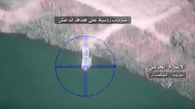Không quân Nga không kích trên chiến trường Al-Bukamal, Deir Ezzor - ảnh video War Media