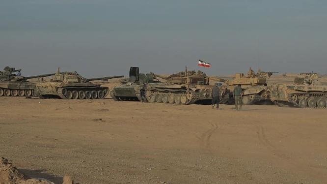 Lực lượng tăng thiết giáp quân đội Syria trên chiến trường Deir Ezzor - ảnh phóng viên tự do Ivan Sidorenko