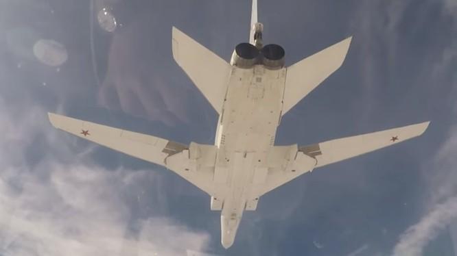 Tu-22M3 ảnh minh họa video Bộ quốc phòng Nga