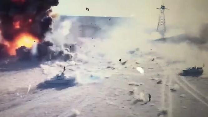 Vụ đánh bom tự sát kinh hoàng của IS trên chiến trường Iraq - ảnh minh họa video truyền thông Iraq