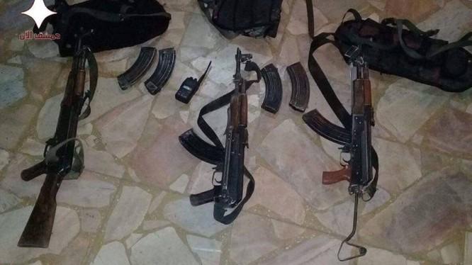 Vũ khí thu được trong cuộc mật tập vào chiến tuyến phiến quân ở Đông Ghouta - ảnh minh họa Muraselon