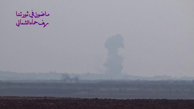 Không quân Nga không kích ác liệt trên vùng nông thôn tỉnh Hama - ảnh minh họa video